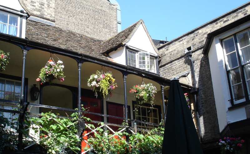 Eagle pub Cambridge: what the open window? Discovery of DNA structure announced here as well.